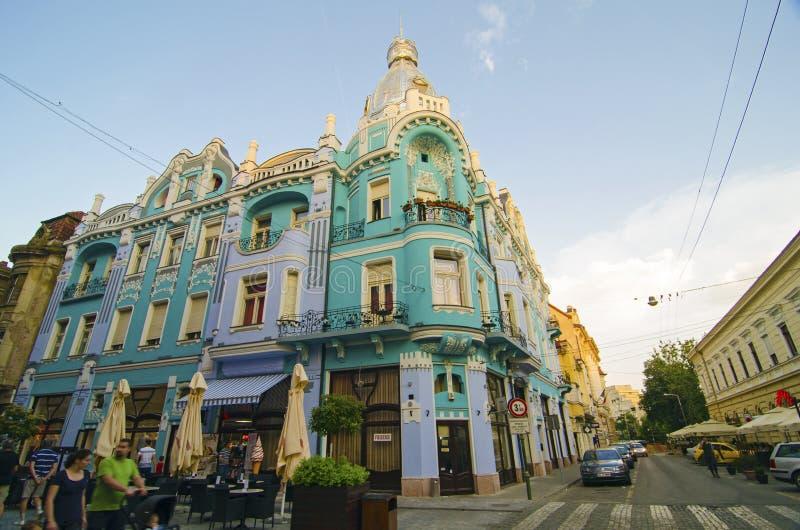 De hoekbouw in Oradea, Roemenië stock fotografie