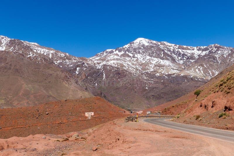 De hoge Atlas, ook genoemd de Grote Atlasbergen is een bergketen in centraal Marokko in Noordelijk Afrika stock foto