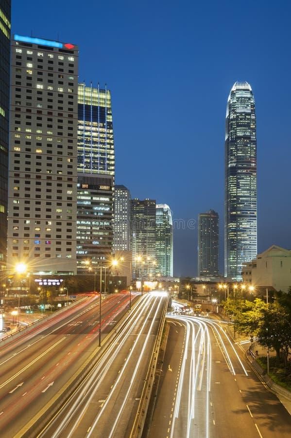 De hoge bouw van het stijgingsbureau binnen de stad in in Hong Kong-stad stock foto