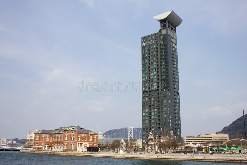 De hoge stijgingsbouw in Mojiko, Kitakyushu, Japan royalty-vrije stock afbeelding