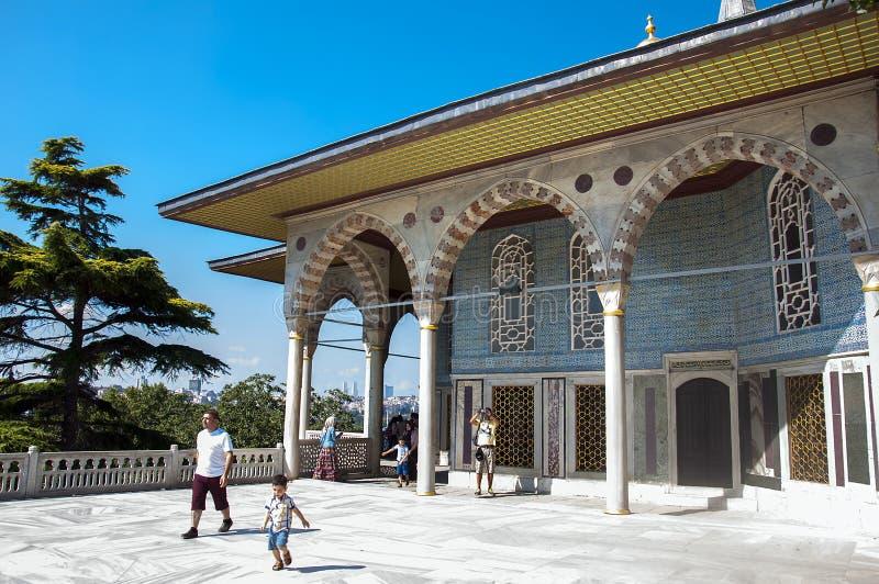 De hogere terras en Kiosk van Bagdad, Topkapi-Paleis, Istanboel, Turkije royalty-vrije stock afbeeldingen