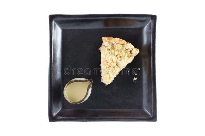 De holding die van de vrouw appeltaart toont stock foto's