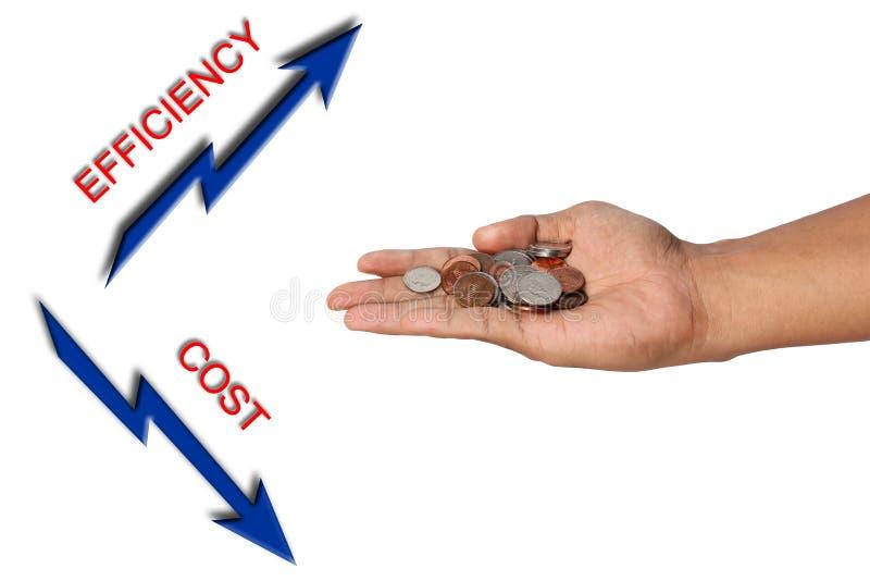 De holdingscenten van de hand met efficiency en kostenpijl. royalty-vrije stock foto