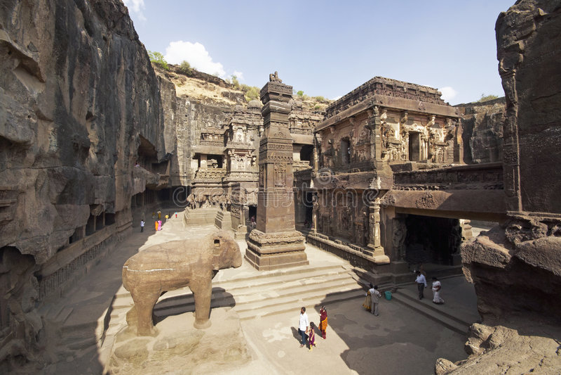 De Holen van Ellora. De oude Hindoese Tempel van de Rots stock afbeelding