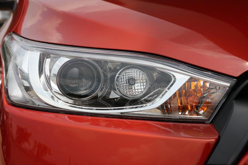 De hoofd lichte lamp van de stadsauto stock foto's