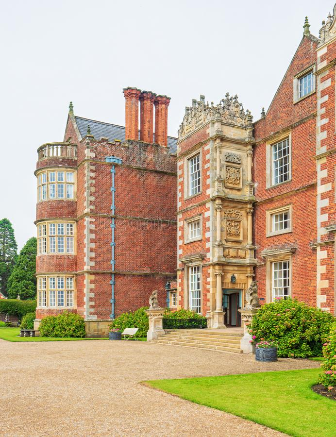 De hoofdingang van Burton Agnes Hall, Yorkshire, Engeland stock foto