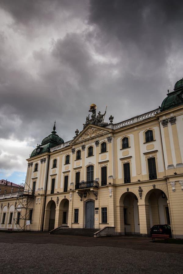 De hoofdingang van het Branickipaleis in Bialystok, Polen royalty-vrije stock afbeeldingen