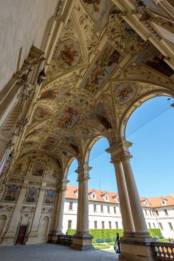 De hoofdingang van het Waldsteinpaleis royalty-vrije stock foto