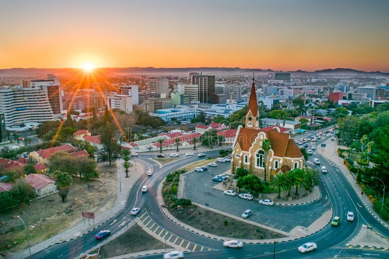 De hoofdstad van Namibië op Sunset - Windhoek, Namibië royalty-vrije stock fotografie