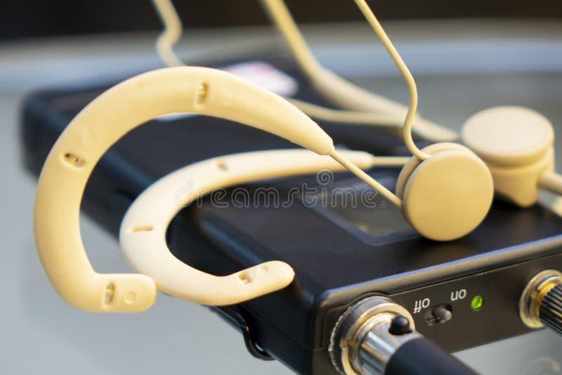 De hoofdzender van de reeks draadloze microfoon en draadloze microfoon stock fotografie