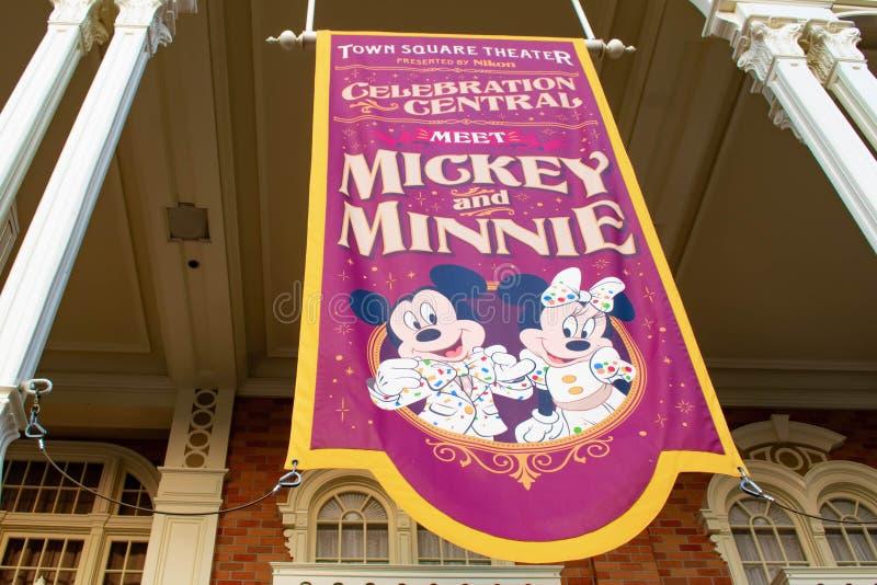 De hoogste mening van Meet Mickey en Minnie ondertekenen in Magisch Koninkrijk in Walt Disney World stock afbeelding