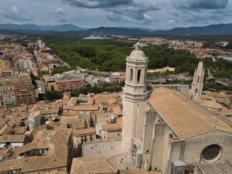 De hoogste mening van de stad van de Girona Kathedraal stock afbeelding