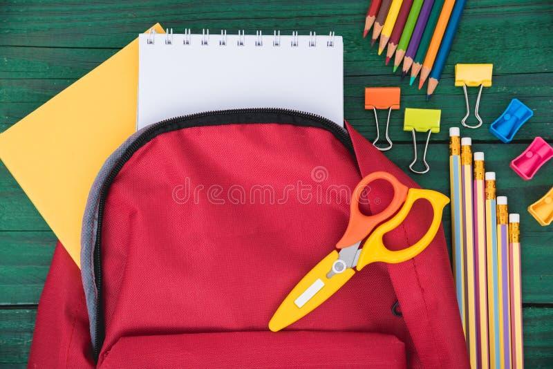 De hoogste rugzak van de menings Rode zak voor onderwijskinderen royalty-vrije stock afbeelding