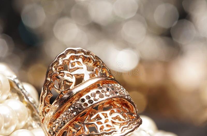 De hoogwaardige toebehoren van de Gemmensteen, Goud, Diamant, Robijn, Parel, e stock foto