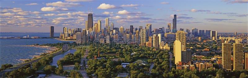 De horizon die van Chicago zuiden met Meer Michigan kijkt royalty-vrije stock foto's