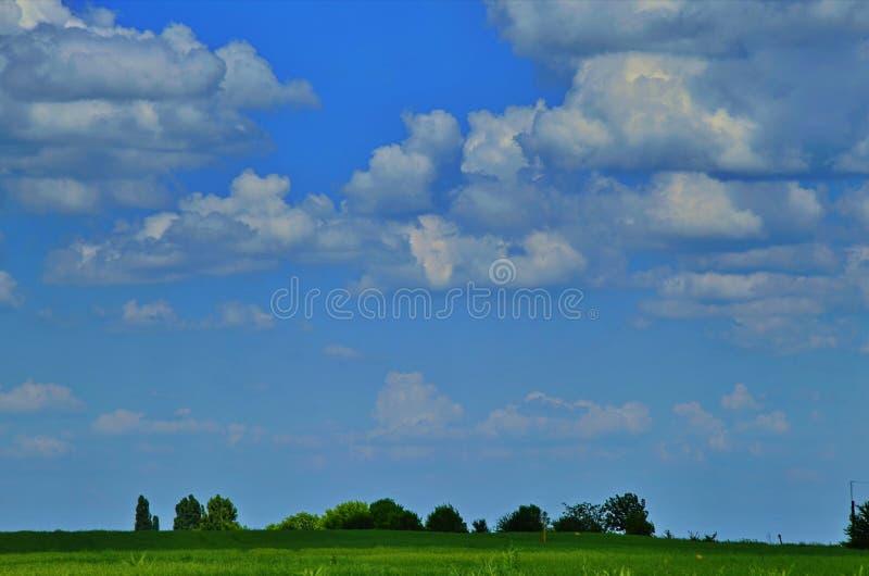 De horizon met mooie wolken royalty-vrije stock afbeelding