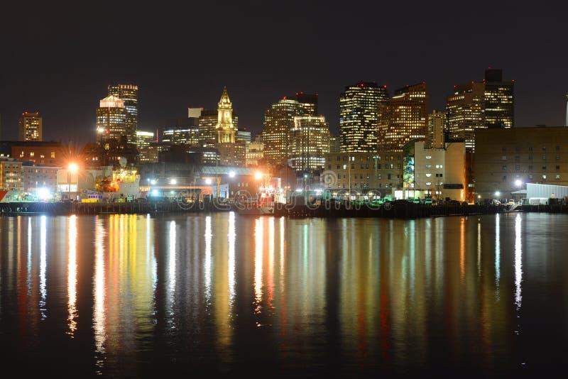 De Horizon van Boston bij nacht, Massachusetts, de V.S. stock fotografie