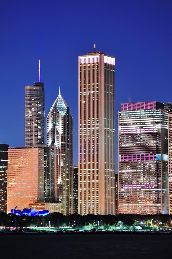 De horizon van Chicago bij schemer royalty-vrije stock foto's