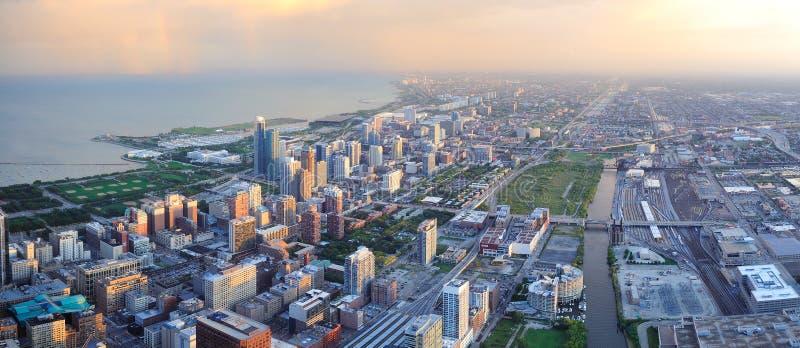 De horizon van Chicago bij zonsondergang royalty-vrije stock foto's