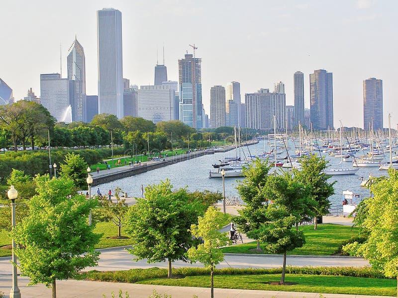 De horizon van Chicago - mening van de kust van Meer Michigan stock foto