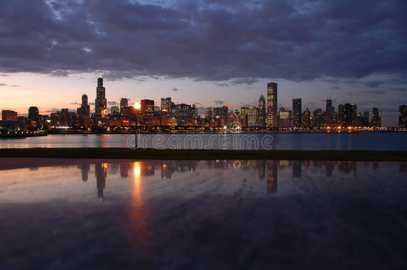 De Horizon van Chicago van de nacht stock foto