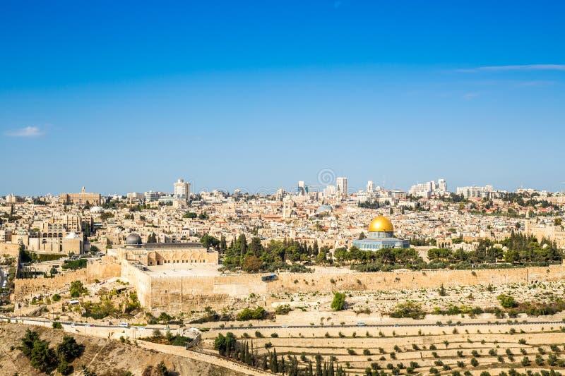 De horizon van de Oude Stad bij Tempel zet in Jeruzalem, Israël op stock afbeeldingen