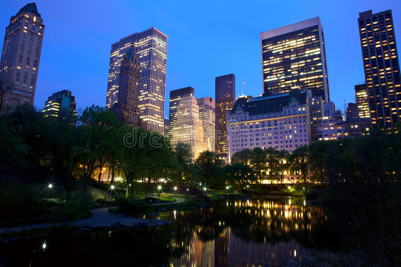 De horizon van de Stad van het Central Park en van New York stock foto's