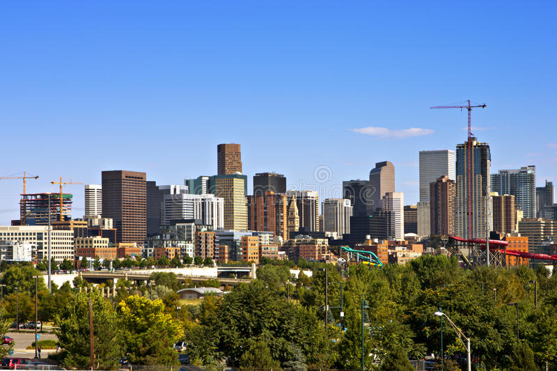 De Horizon van Denver en Nieuwe Bouw royalty-vrije stock afbeelding