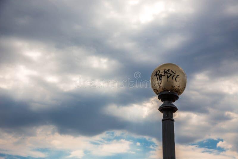 De horizon van Denver met wolken van de grond royalty-vrije stock fotografie
