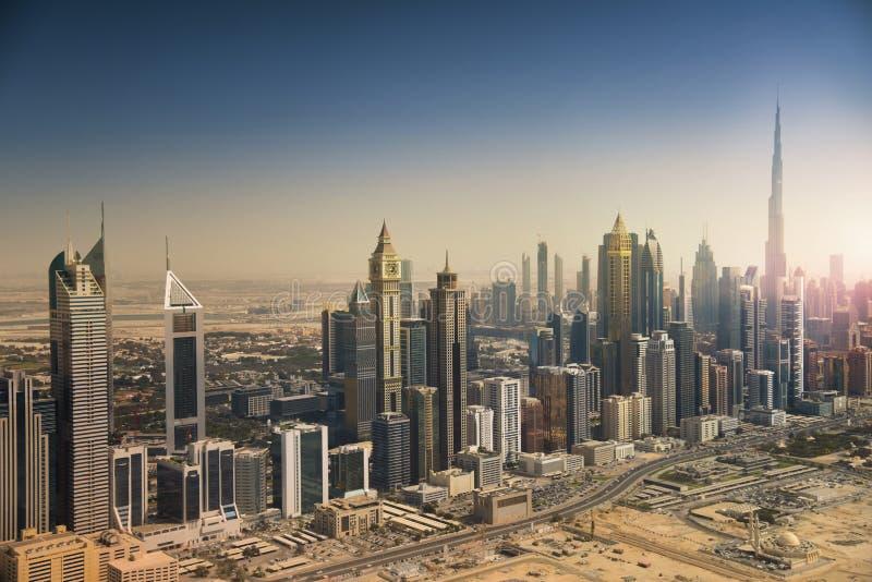 De horizon van Doubai van de lucht royalty-vrije stock afbeelding