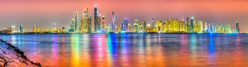 De horizon van Doubai, de V.A.E stock foto's