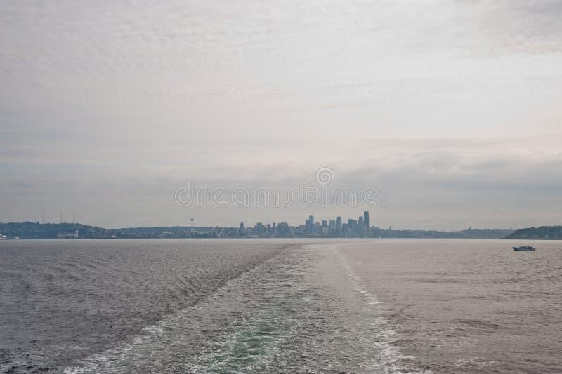 Download De Horizon Van Dowtownseattle Stock Afbeelding - Afbeelding bestaande uit panoramisch, reis: 107709065