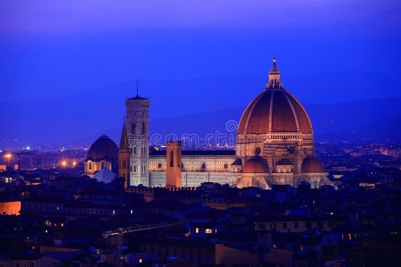 De horizon van Florence bij schemering, Italië. stock foto