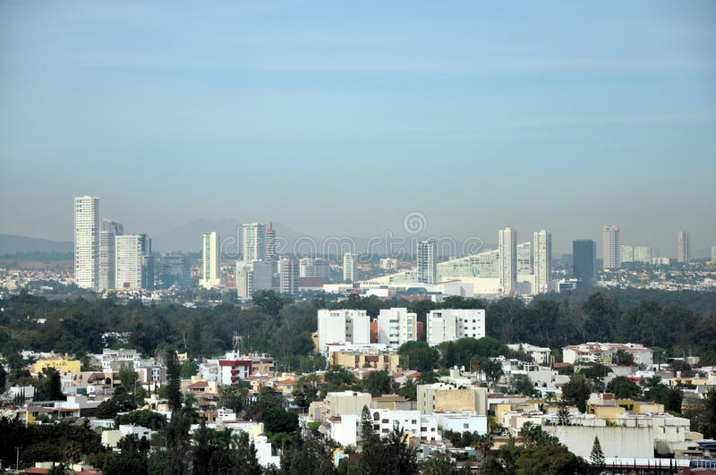 Download De Horizon van Guadalajara redactionele stock foto. Afbeelding bestaande uit traveling - 39106693