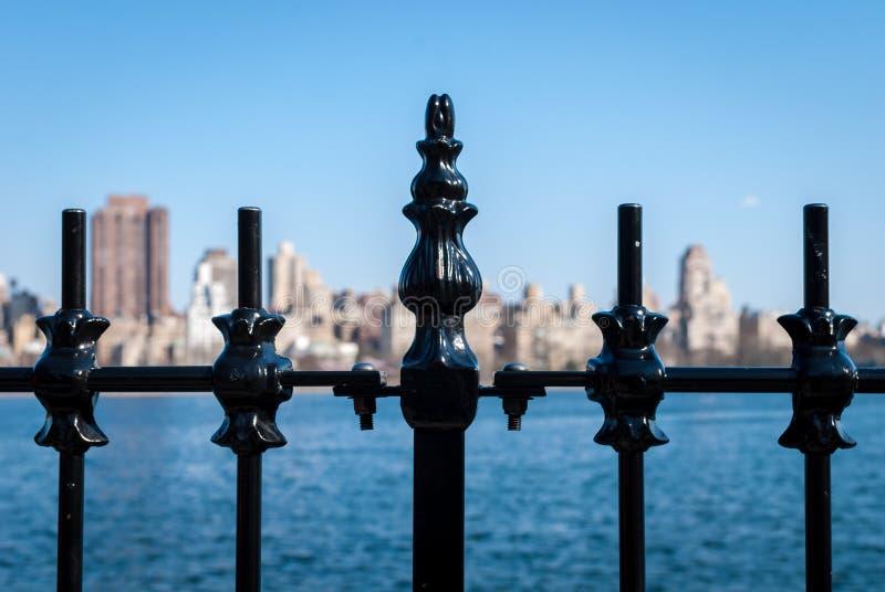 De horizon van het ijzertraliewerk royalty-vrije stock fotografie