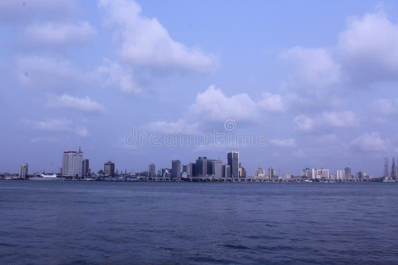 De horizon van Lagos en Bedrijfsdistrict royalty-vrije stock afbeeldingen