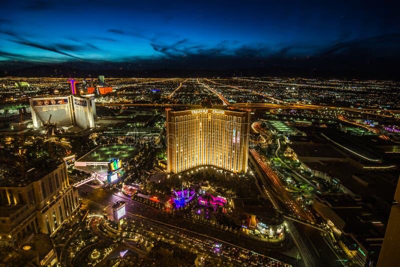 De horizon van Las Vegas bij zonsondergang - de Strook - Satellietbeeld van de Boulevard Nevada van Las Vegas royalty-vrije stock afbeeldingen