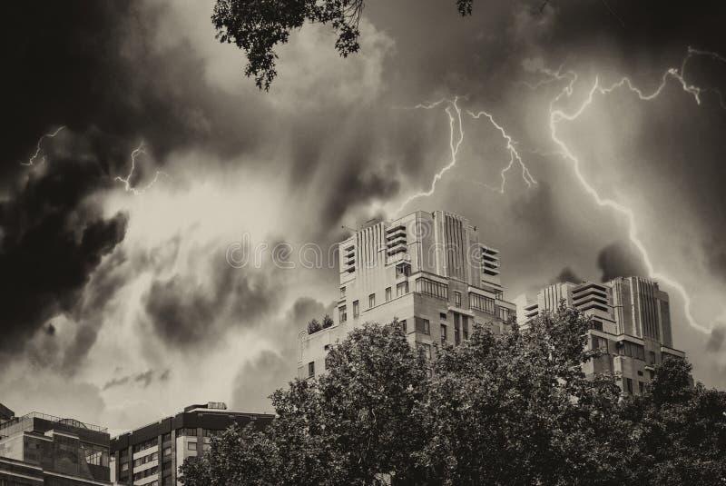 De horizon van Manhattan tijdens een onweer, New York royalty-vrije stock foto's
