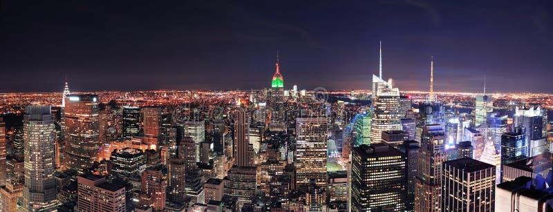 De horizon van Manhattan van de Stad van New York bij nacht royalty-vrije stock foto's