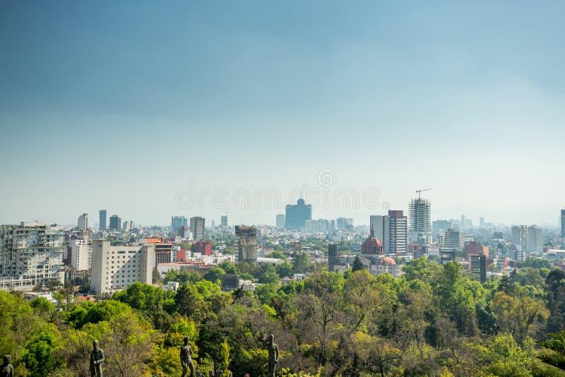 De horizon van Mexico-City van Chapultepec-kasteel stock fotografie