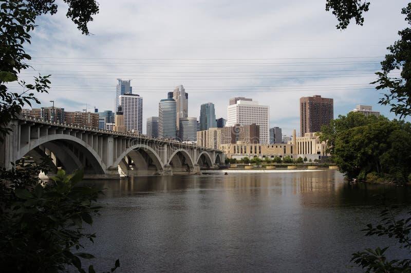 De horizon van Minneapolis stock afbeelding