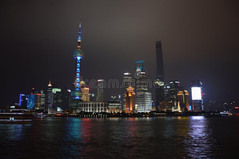 De Horizon van de Nacht van Shanghai Pudong stock fotografie