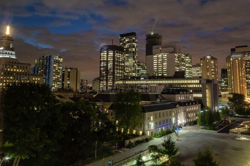 De horizon van de nachtscène van Toronto Canada stock foto