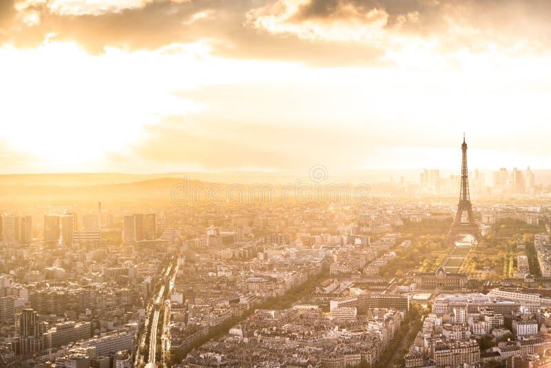 De Horizon van Parijs met de Toren van Eiffel royalty-vrije stock foto's