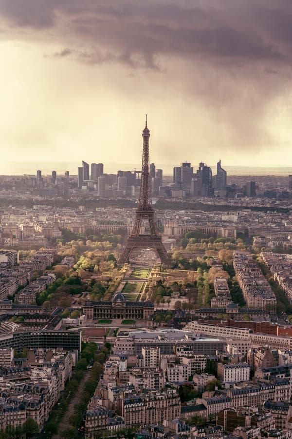 De Horizon van Parijs met de Toren van Eiffel stock foto's