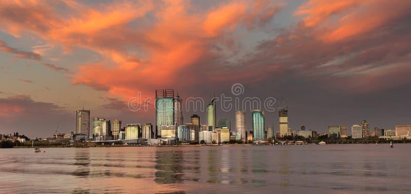 De Horizon van Perth vóór stormcloud royalty-vrije stock afbeeldingen