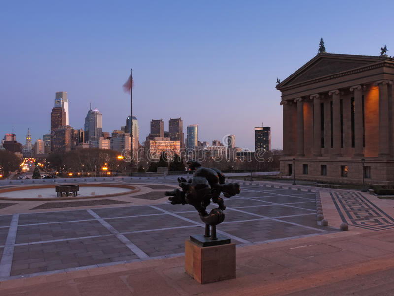 De Horizon van Philadelphia bij Schemer royalty-vrije stock afbeelding
