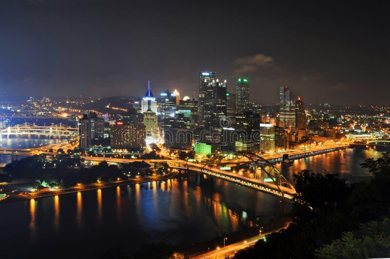 De Horizon van Pittsburgh bij Nacht royalty-vrije stock foto
