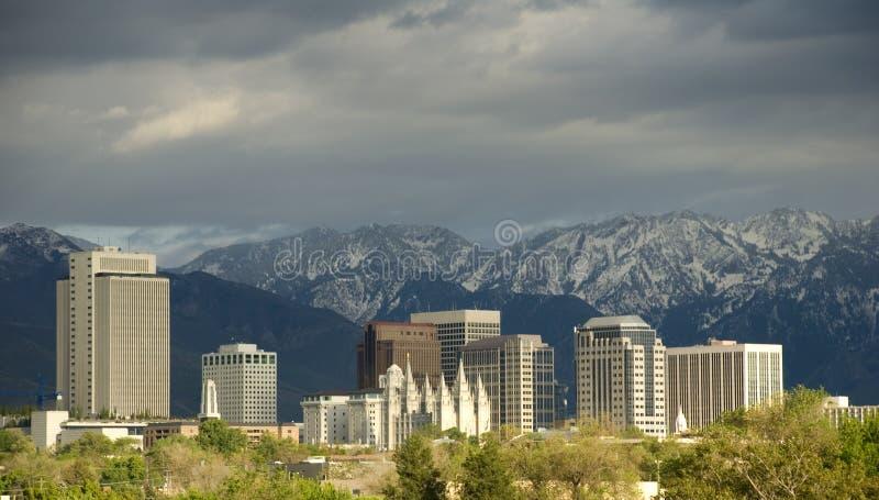 De Horizon van Salt Lake City met Onweer het Naderbij komen royalty-vrije stock foto