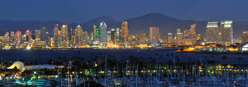De Horizon van San Diego bij nacht stock afbeeldingen